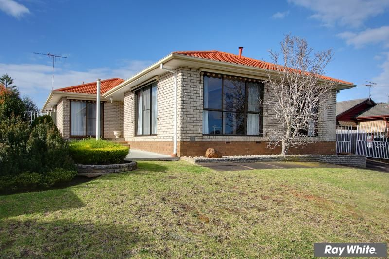 Great family home in a court location - Mornington