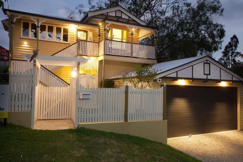 AMAZING FAMILY HOME WITH INGROUND POOL - Bardon