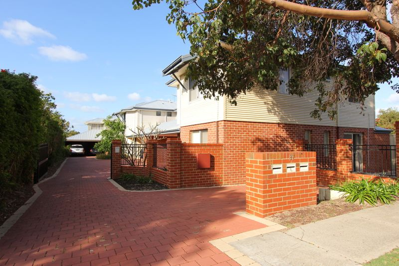 Reduced to sell today - Sensational townhouse - Rivervale