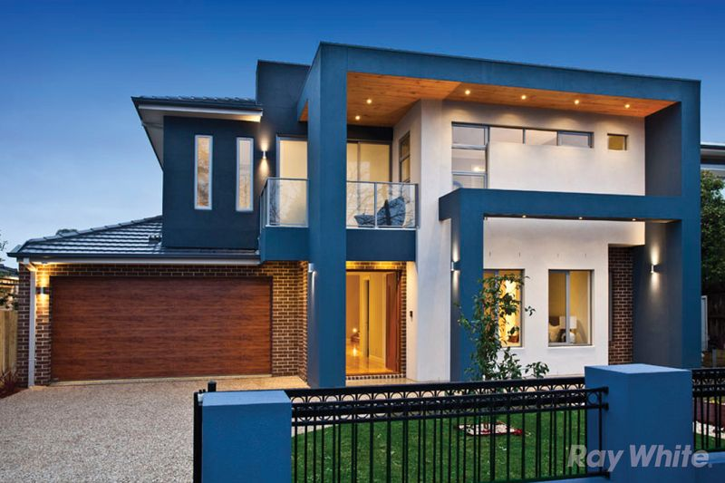 SUMPTUOUS FAMILY LIVING IN THE GWSC CATCHMENT - Glen Waverley