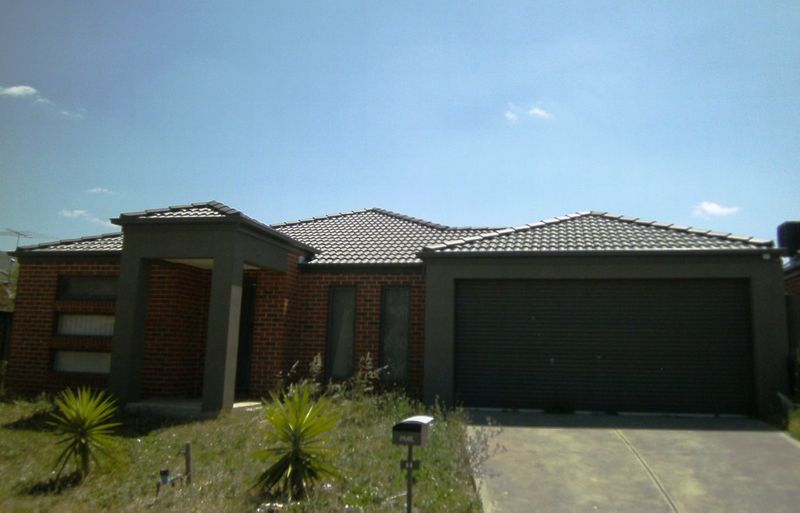 Big Home in a highly sought after estate! - Tarneit