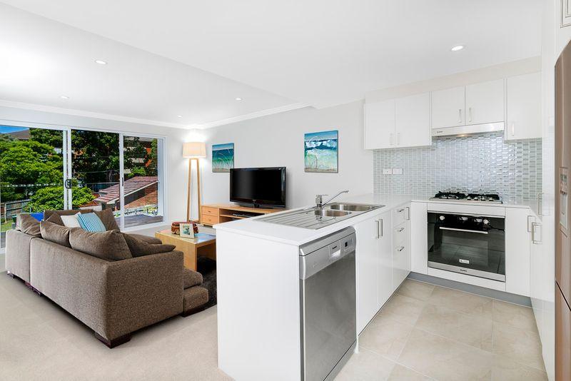 NOW SELLING   2 bedroom  Beachside Luxury  Apartment! - Narrabeen