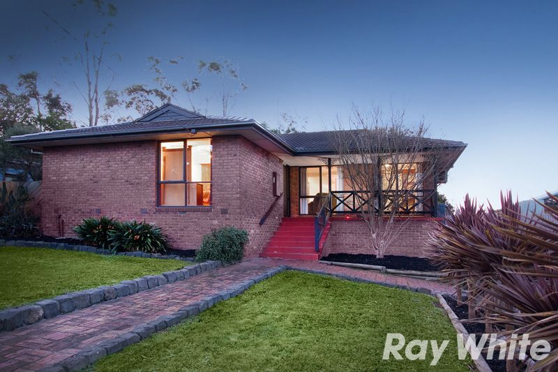 STYLE, CHARACTER, POSITION & READY FOR YOU TO MOVE STRAIGHT IN! - Pakenham