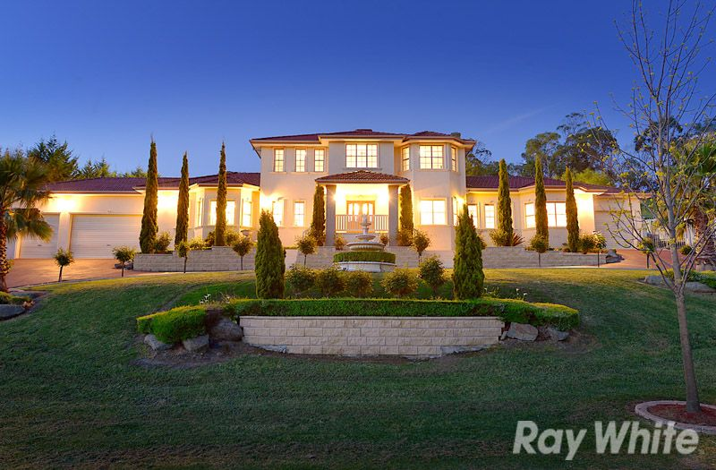 A Peerless Mansion Set Amongst Stunning Landscaped Gardens - Lysterfield South