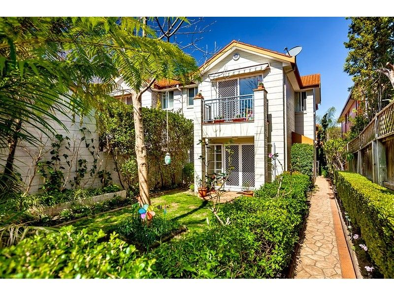 3 Bedroom Town House - Concord