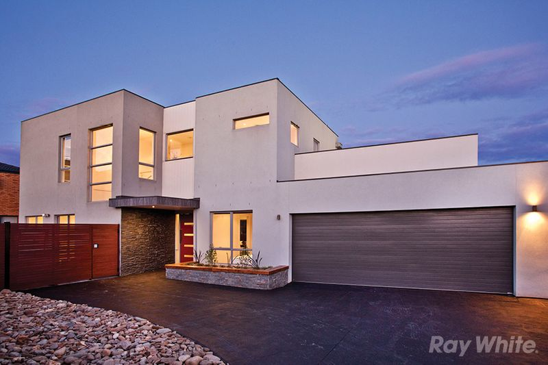MODERN FAMILY LUXURY - Mulgrave