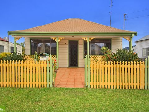 West Wollongong, 87 Mount Keira Road