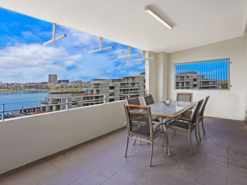 Wentworth Point, 728/25 Bennelong Parkway