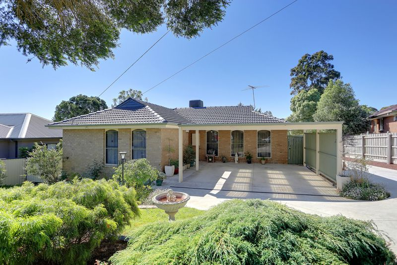 INVITING, COMFORTABLE, EXCITING! - Chirnside Park