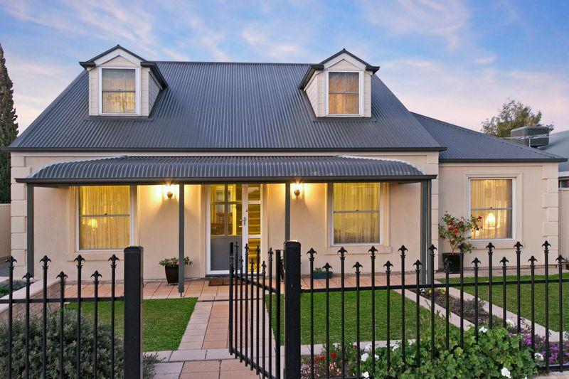 Architecturally Designed Master Cottage - Tanunda