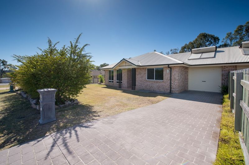 Massive Duplex- Awesome Value - Withcott