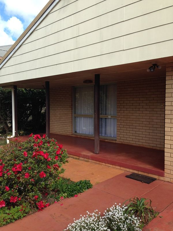 Large 4 Bedroom Home - Newtown