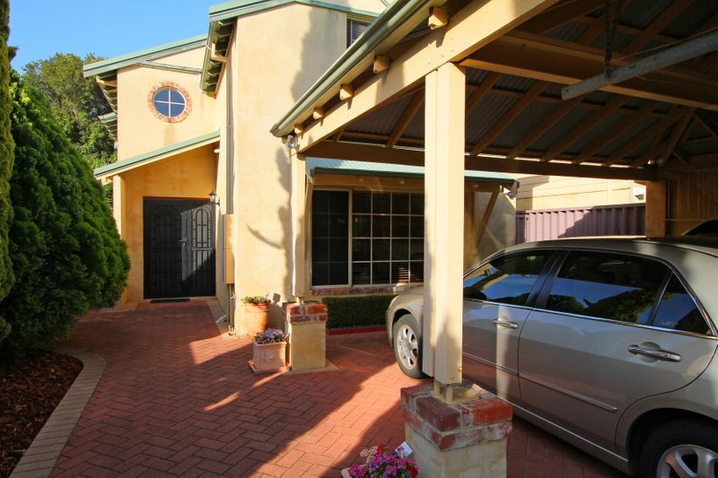 DOUBLE STOREY BEAUTY ON 456SQM - Rivervale
