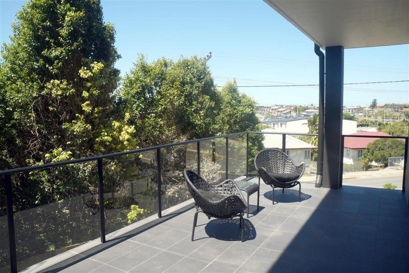:: SPECIAL INTRODUCTORY RATE ~ $360 PER WEEK ~ BRAND NEW SELF CONTAINED - Gladstone Central