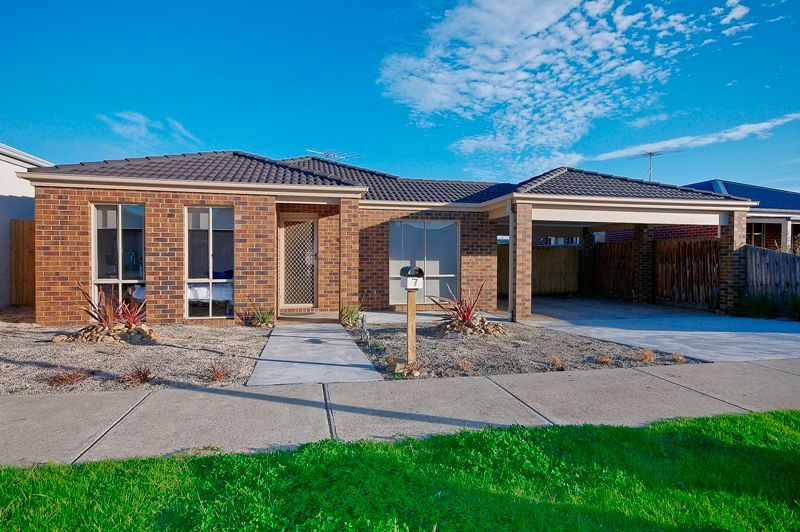 Ultra-Low Maintenance Large Family Home - Waurn Ponds