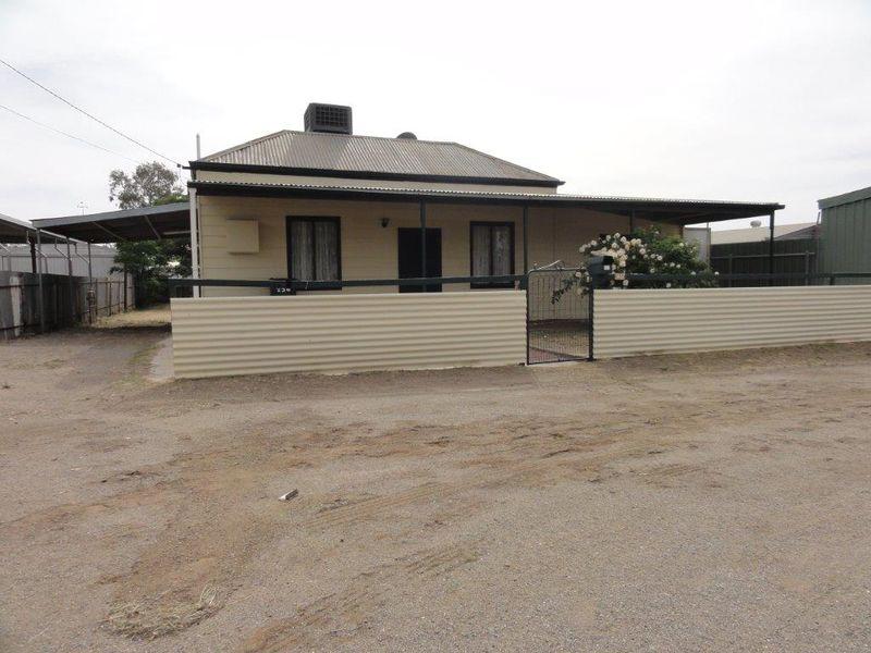 A good starter for the 1st home buyer/ investor. - Broken Hill