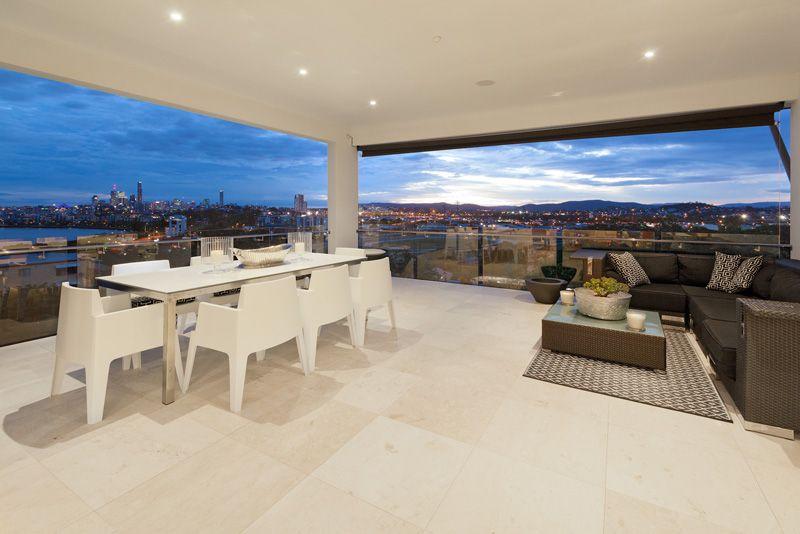 Architectural Masterpiece with Breathtaking Views - Hamilton