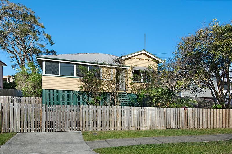 Renovate or Redevelop , It's Your Choice - Ascot