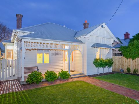 East Geelong, 9 St Albans Road