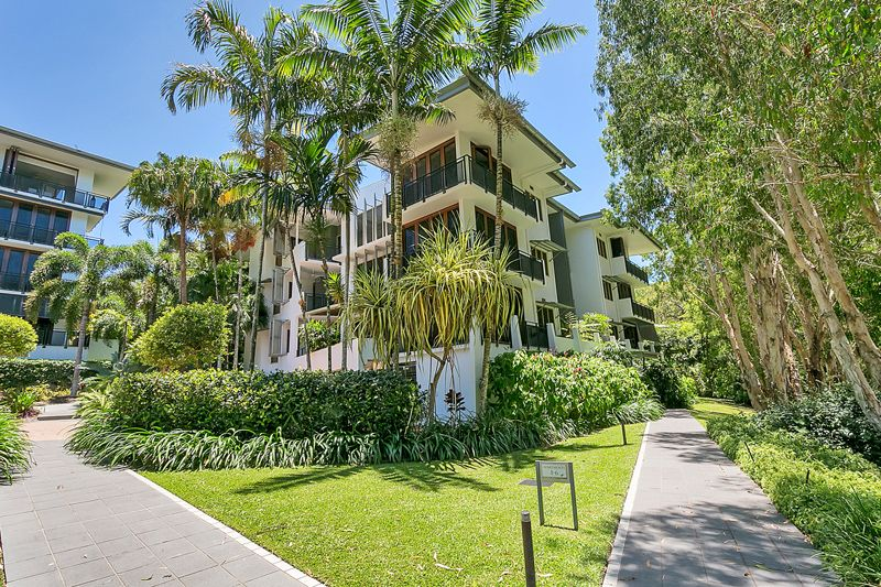 A RELAXED INDULGENT LIFESTYLE AWAITS! - Palm Cove