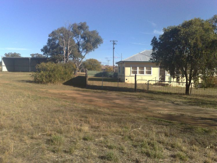 LEASED BY RAY WHITE - Delungra
