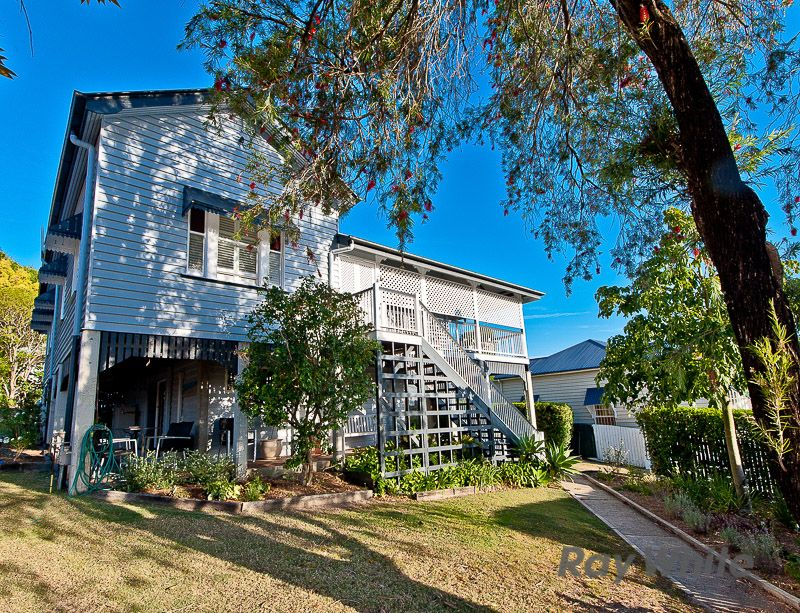 Large Queenslander on 814m2 in the Inner City! - Newmarket