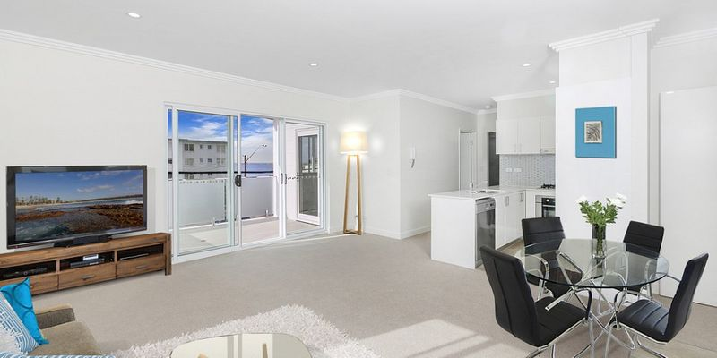 Ultra Modern Studio Apartment - Prime Location! - Dee Why