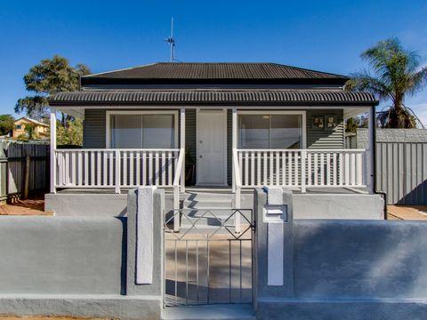 Broken Hill, 254 Cummins Street