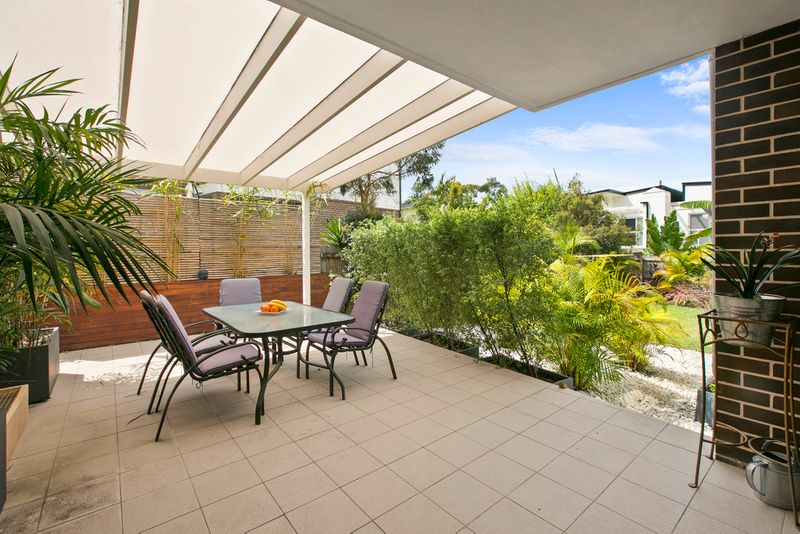 Unique spacious ground floor apartment with Huge yard! - Brookvale