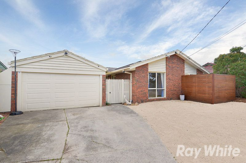 A RENOVATED 4 BEDROOM, 2 BATHROOM FAMILY HOME - Ferntree Gully