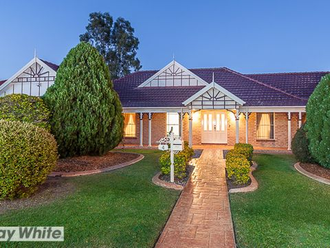 Murrumba Downs, 4 Tavistock Crescent