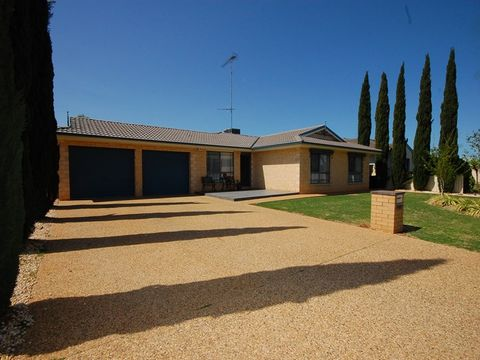 Griffith, 11 Braeburn Avenue