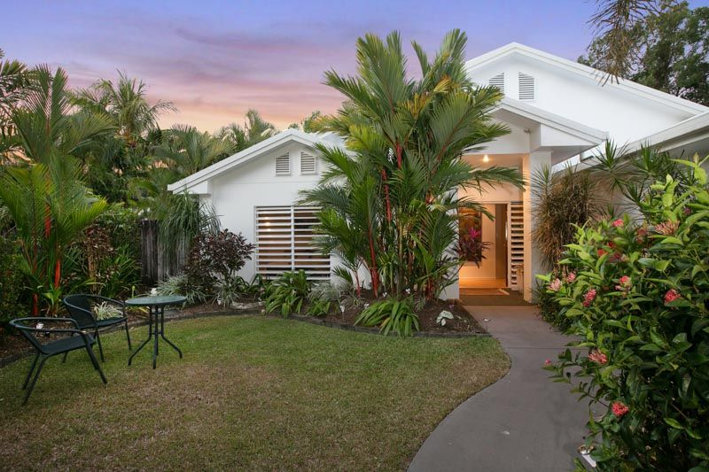 A very inviting residence in top location! - Clifton Beach