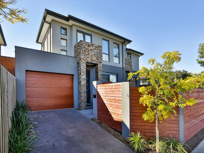 Slick & stylish 3 bedroom townhouse - Moorabbin