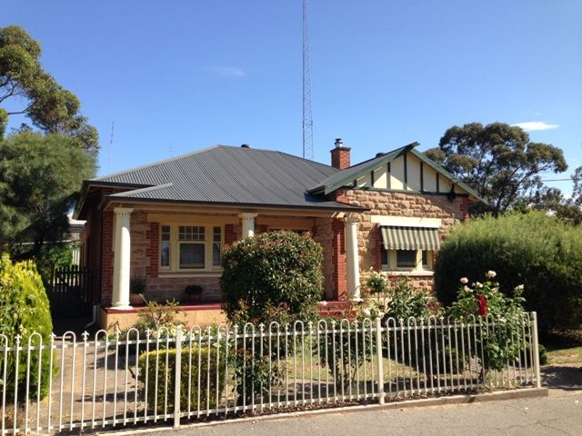 Large 3 Bedroom Home - Clare