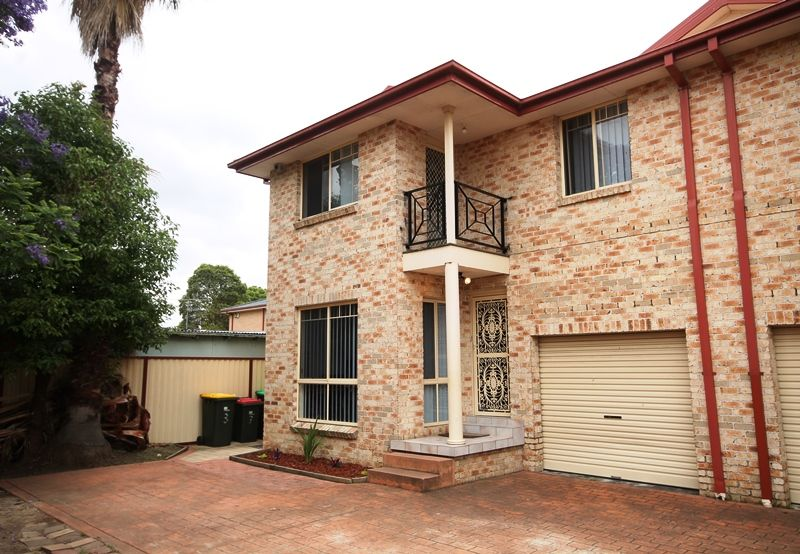FIRST HOME AND INVESTORS SPECIAL - Moorebank