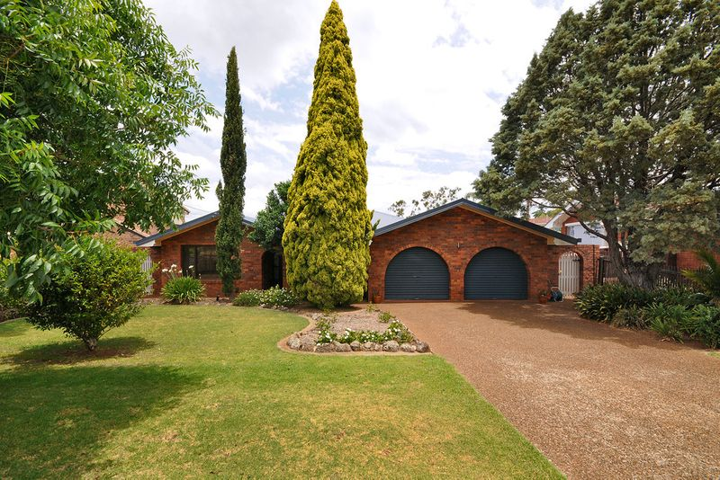 Relocating sellers are committed elsewhere and want this property sold! - Rangeville