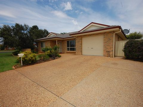 Griffith, 73 Nelson Drive
