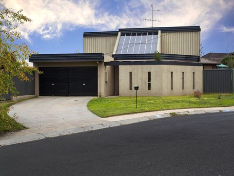 Strathdale, 5 Bunting Court