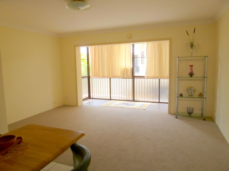 Position and Price - Perfect - Clayfield