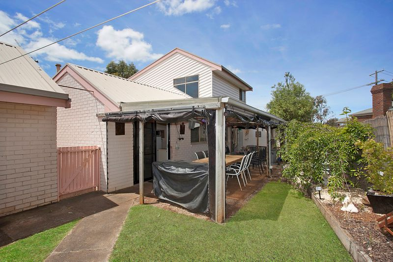 Large family home - live or invest! - Warrnambool