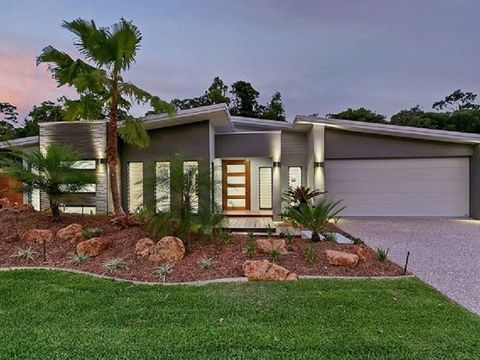 Palm Cove, 15 Litara Court