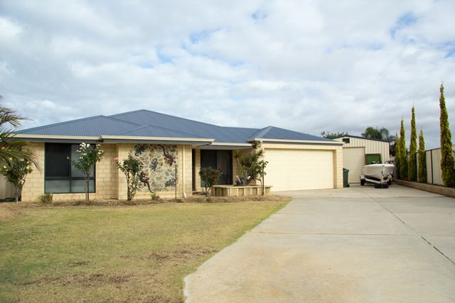 HOME OPEN SUNDAY 18th January 2015 1:30PM - 2:00PM - Waggrakine