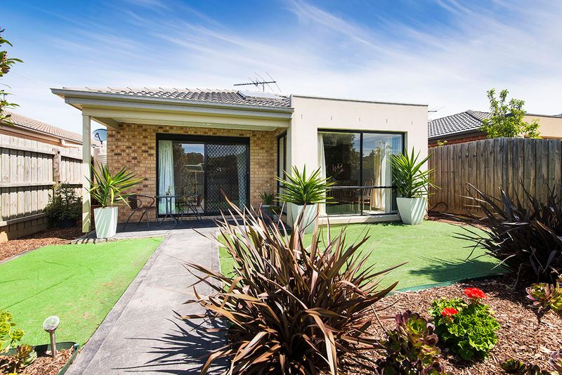Location At Its finest! Walk To It All! - South Morang