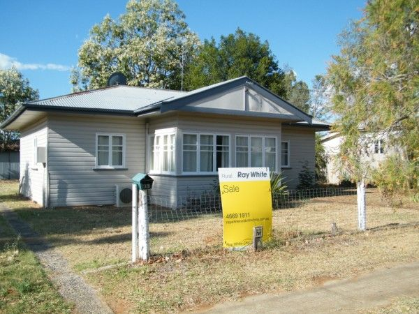 THREE BEDROOM TIMBER HOME WAITING FOR IT'S NEW OWNER - Chinchilla