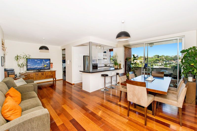 A spacious and modern beachside apartment - Bronte