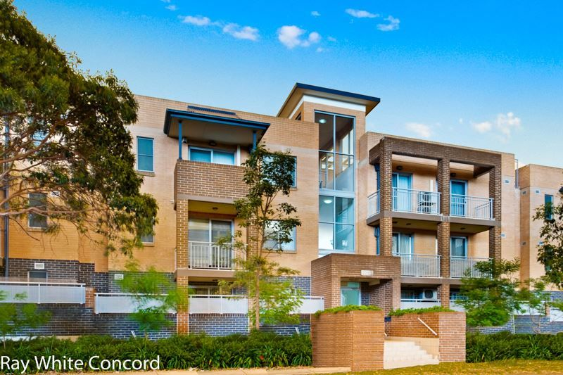 Spacious One Bedroom Unit with Courtyard Totalling 97sqm - Homebush