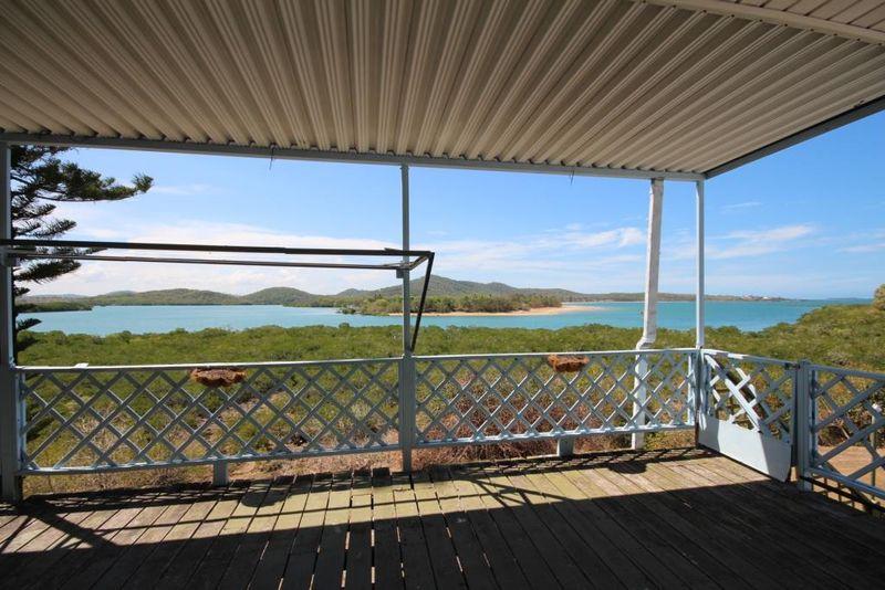 Renovator with Ocean Views - Campwin Beach