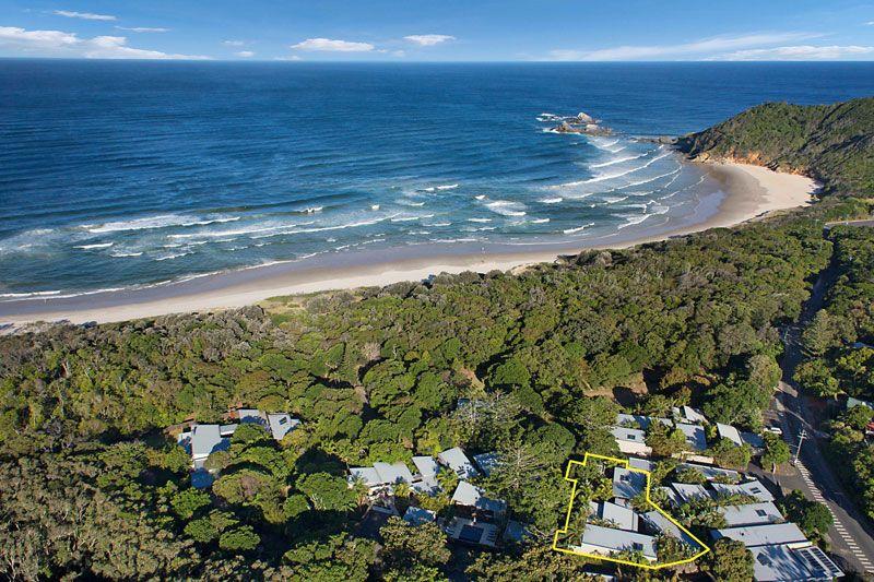Prestigious Beachfront Holiday Oasis - Broken Head