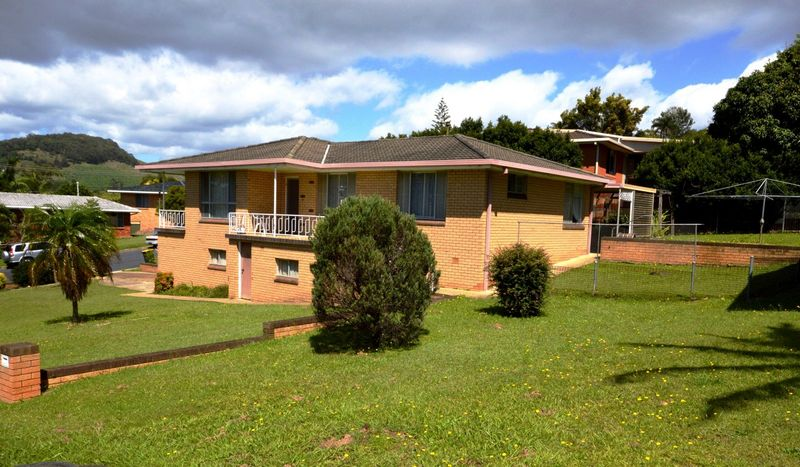 A HOME WITH GOOD BONES' IN SUCH A PRIME POSITION - Coffs Harbour